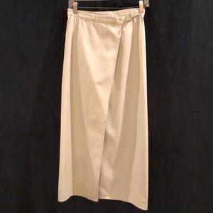 Gap wrap around midi khaki skirt. Size 6.